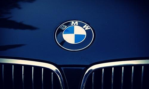 BMW confirms strategic partnership talks with FC Bayern Munich