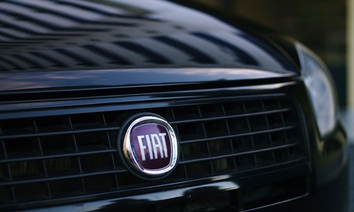 Renault and Fiat Chrysler in advanced talks to merge the automakers