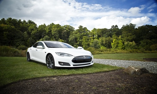 Tesla buys AI startup DeepScale to boost Autopilot system efforts